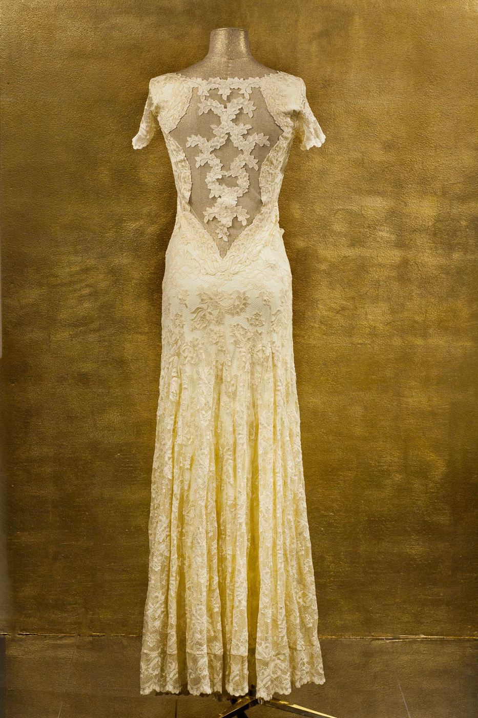 Olvis' Lace Gown | Pale Yellow