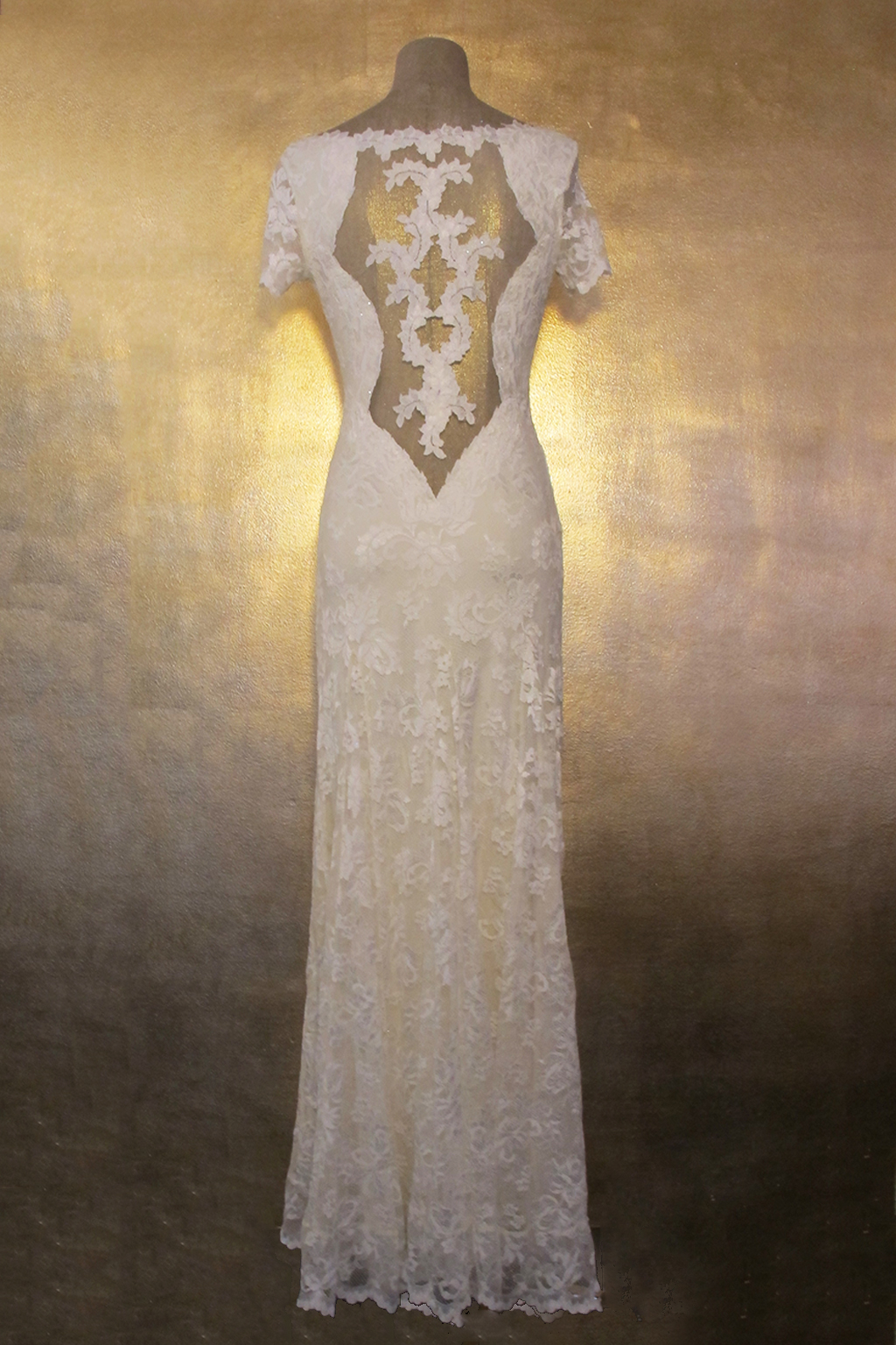Olvis' Lace Gown |​ Ivory