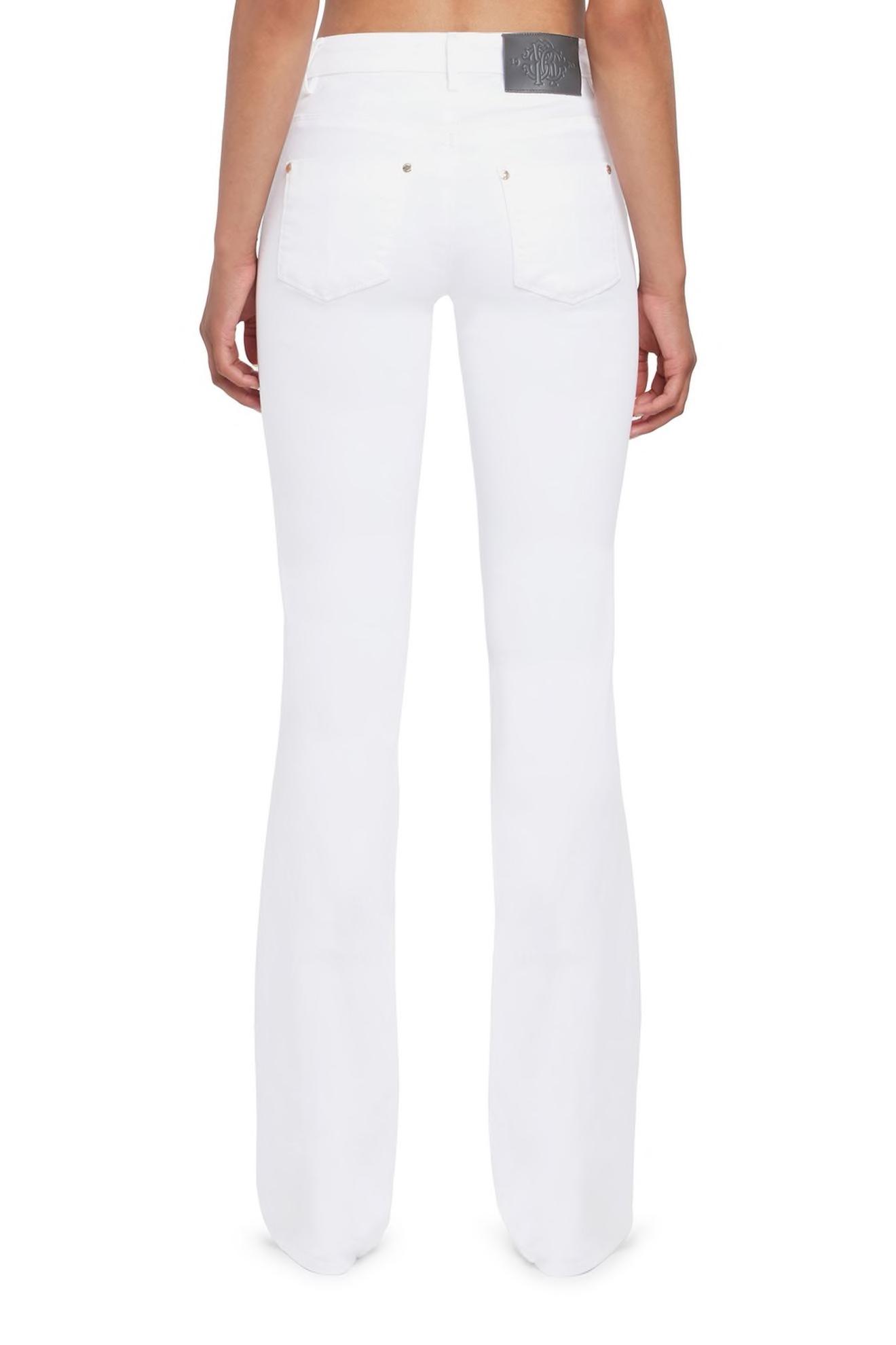 roberto-cavalli-white-flared-jeans_13150666_15611954_1320 kopiera