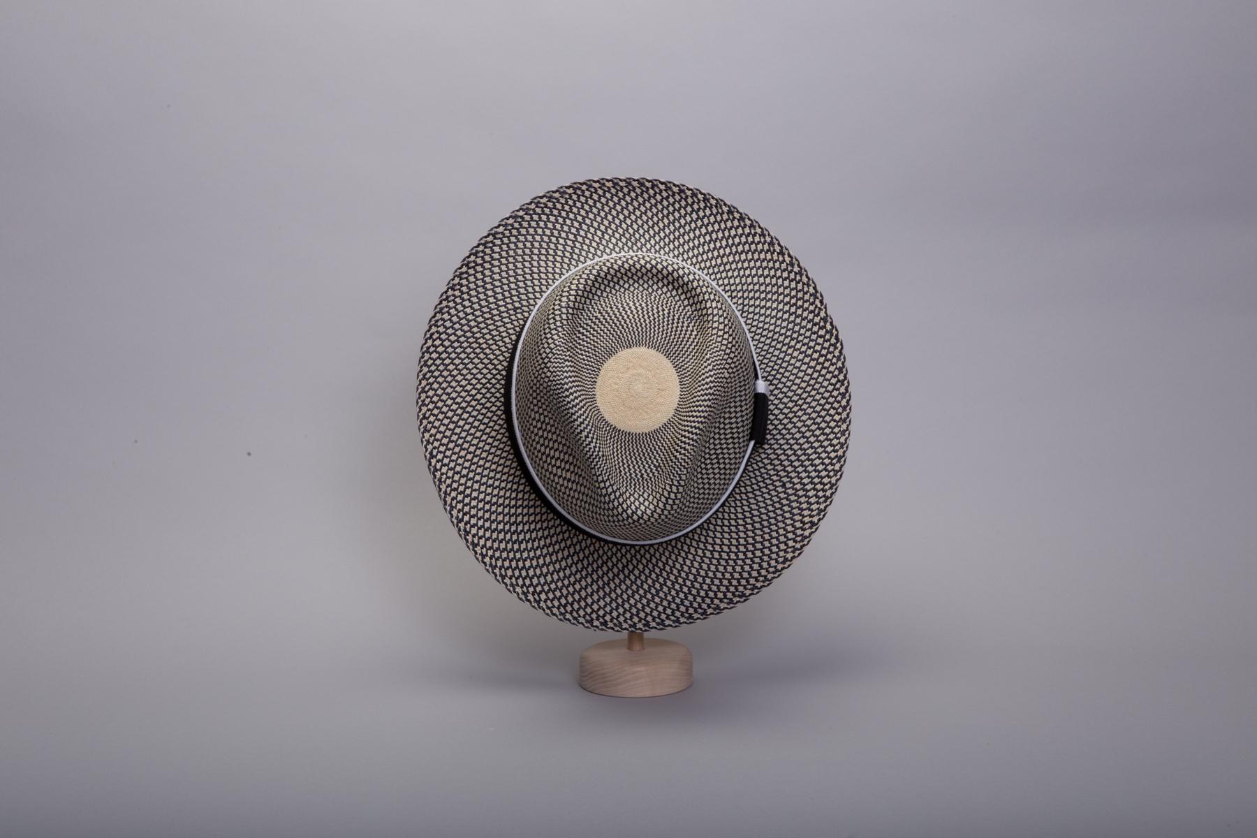 chapeau-panama-capferret-gif1-450x300