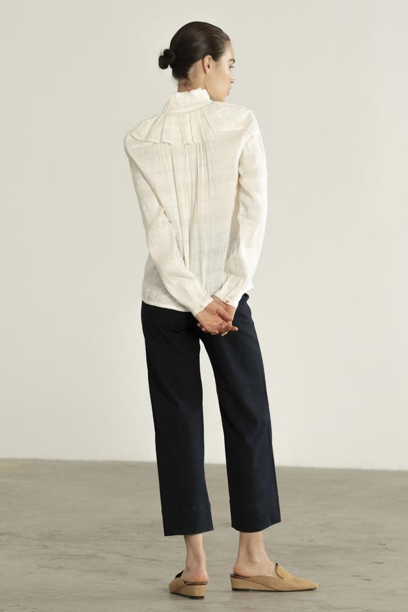 Maria_Stanley_Spring_2019_Virginia_blouse_silk_stripe_salt_02_590x