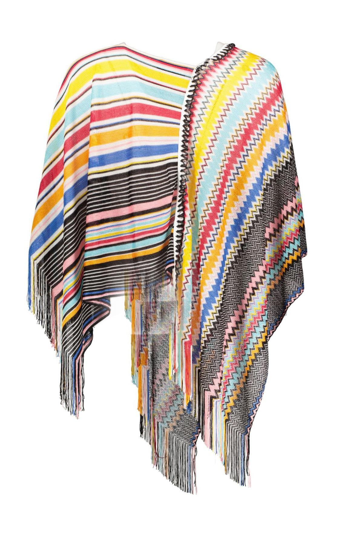 poncho rainbow back _Front_M1500x15000JPG