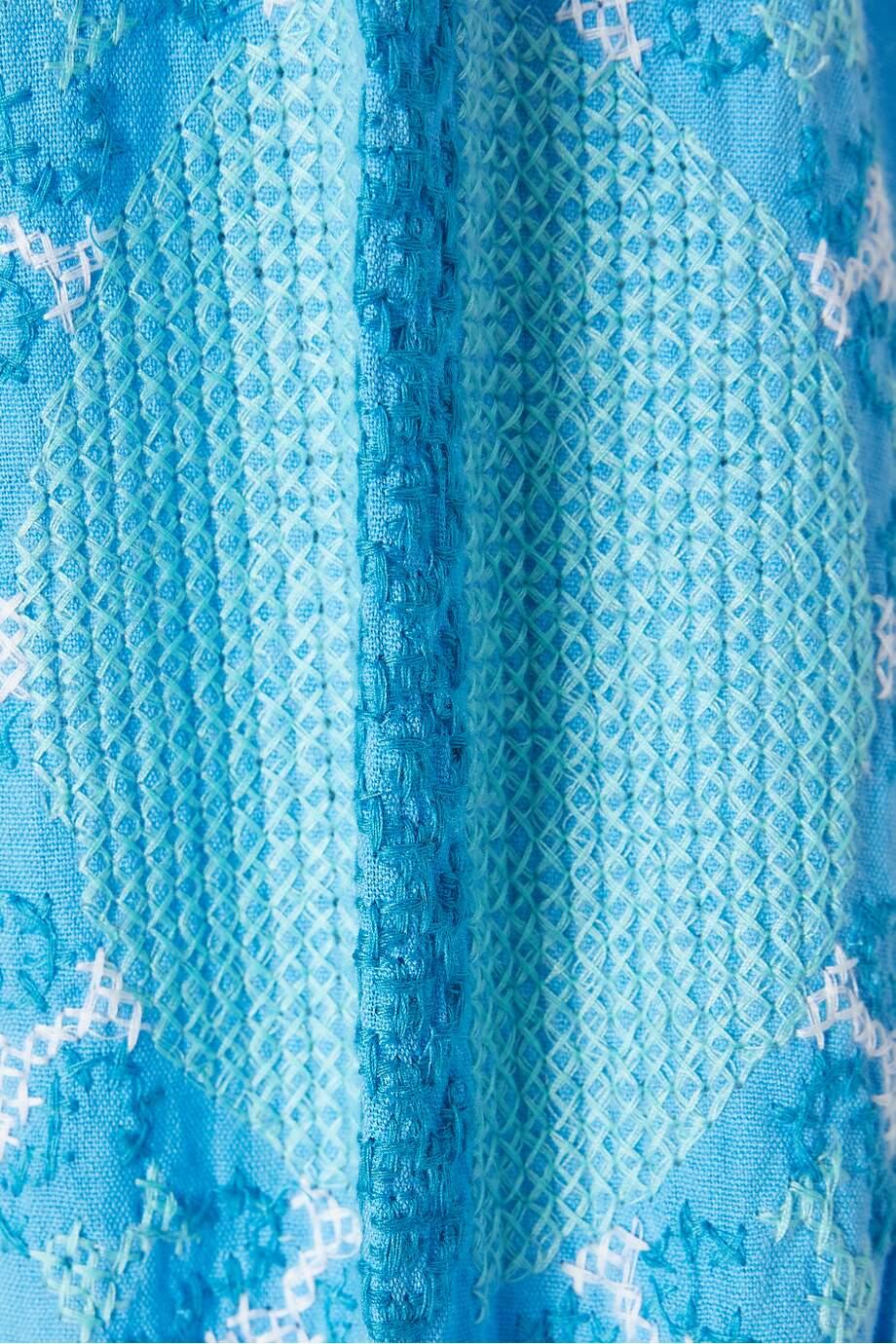 214185818_blue_cu