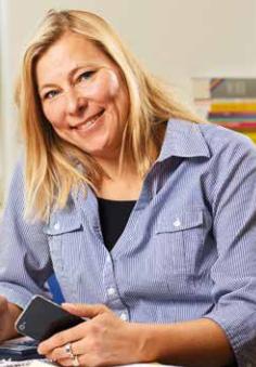 Helene på Ett2iii i Flygstaden Söndrum, Halmstad är auktoriserad redovisningskonsult & medlem i FAR