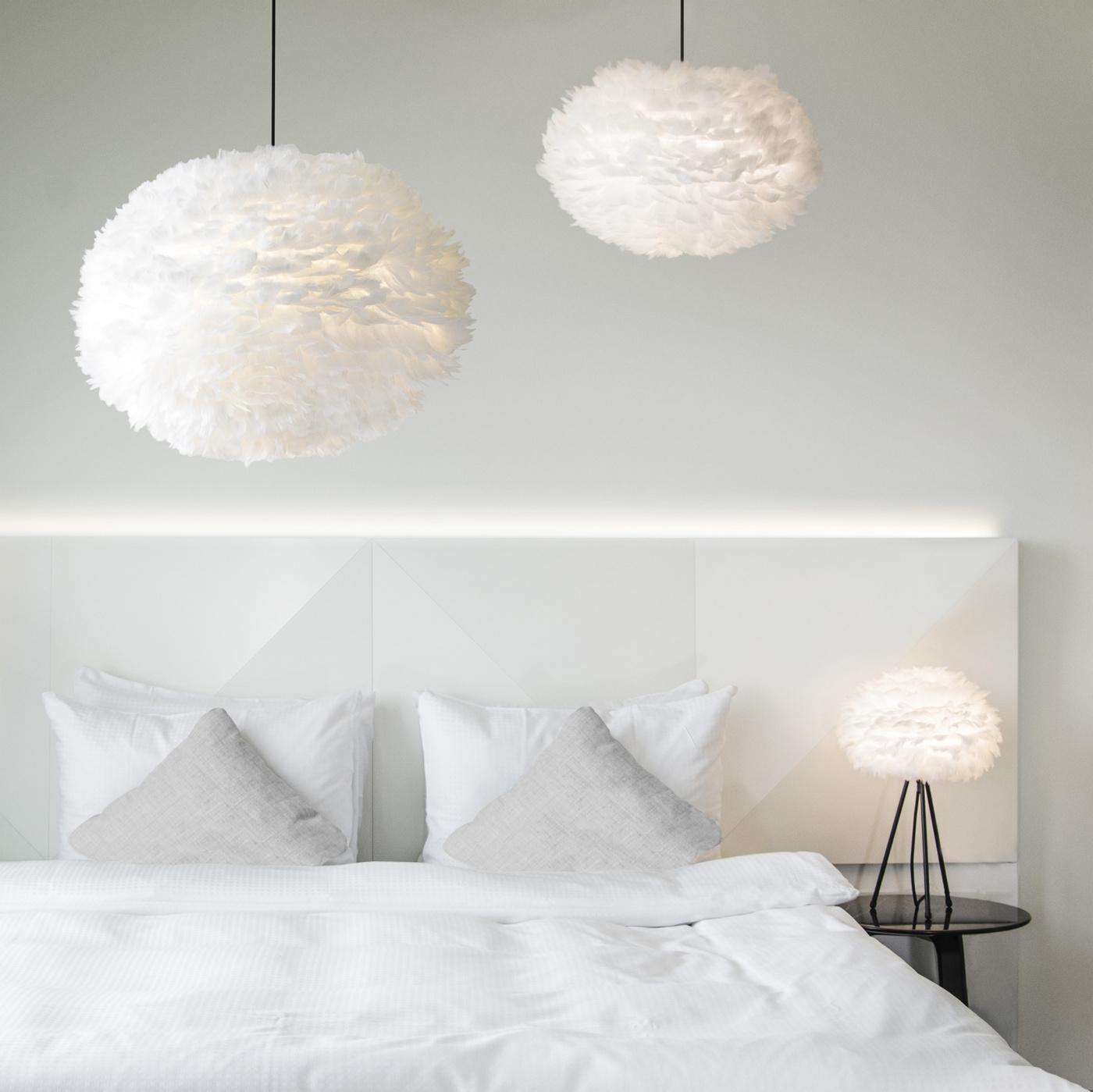 vita-dansk-design-inredning-eos-fjaderlampa-dunlampa_PwMVUV