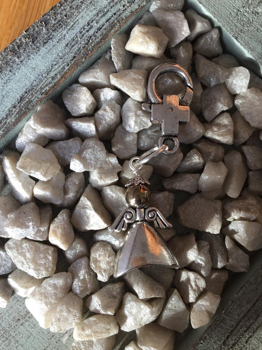 PYRIT Sol, rikedom, lindring, minnen, kärlek, beskydd.