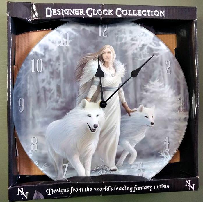 Kvinna med vita vargar