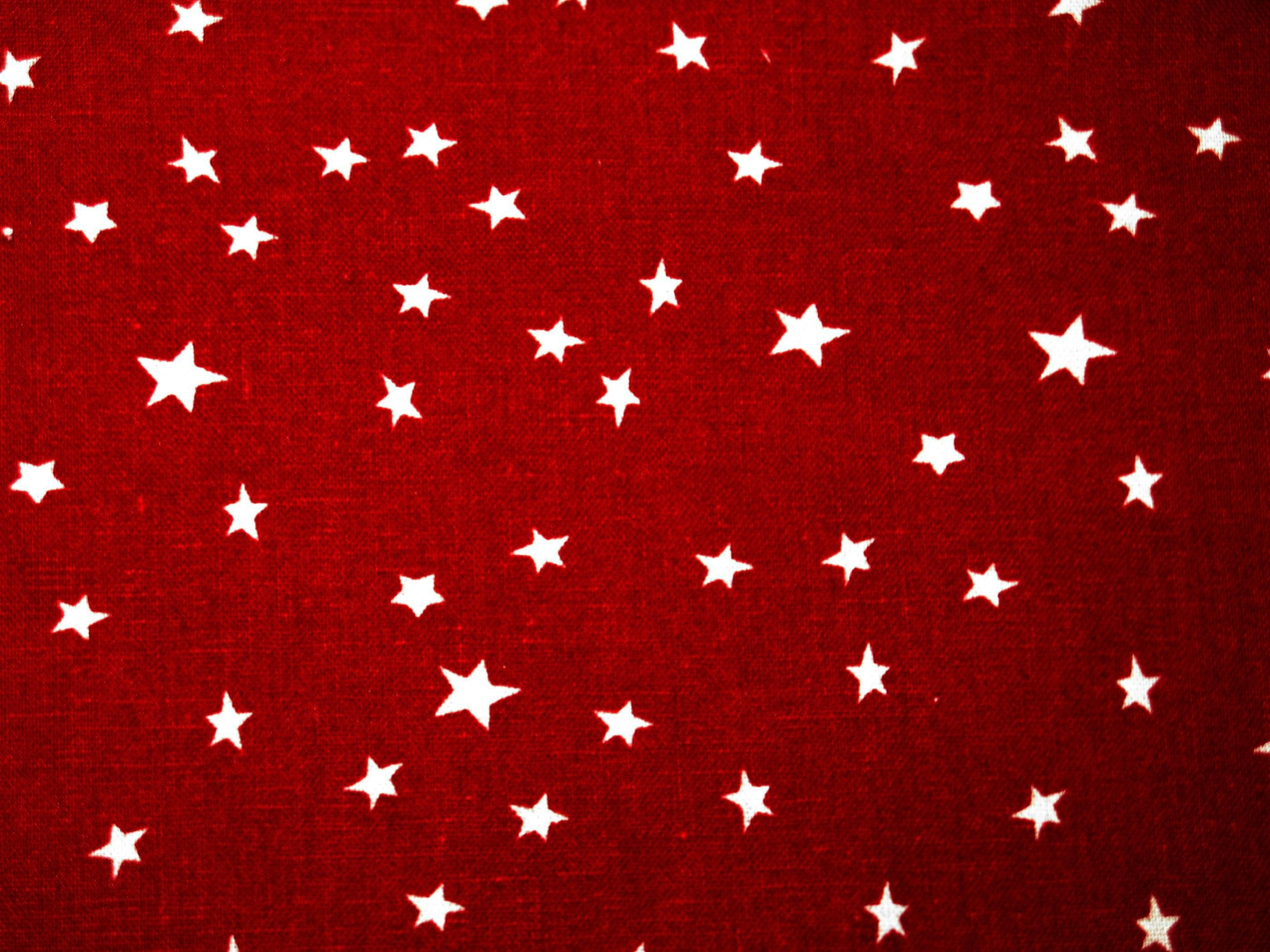 Röd bomull med stjärnor