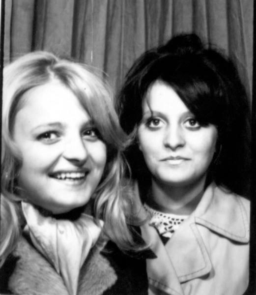 Moster Marita och mamma (t.h.) 1969