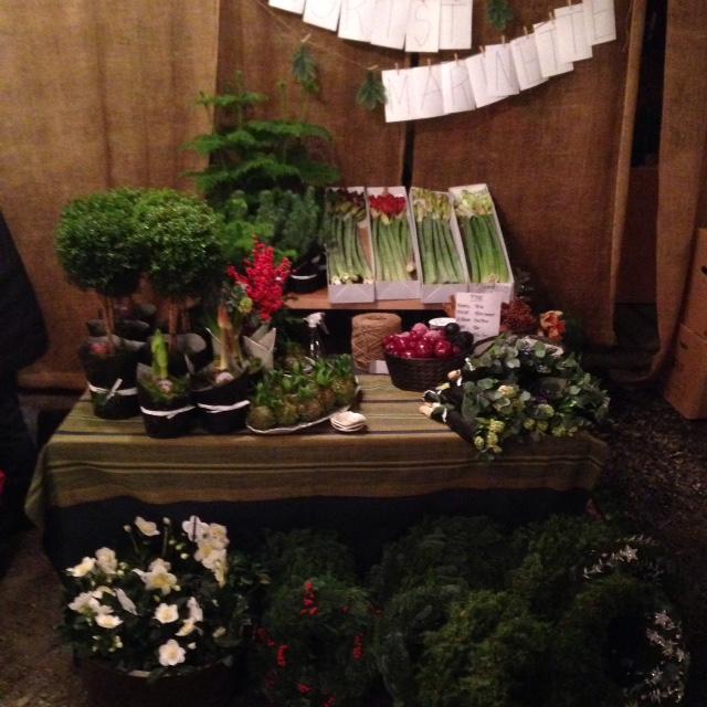 Florist Marinettes utställningsplats på julmarknaden Torna Gård i Väröbacka norr om Varberg.