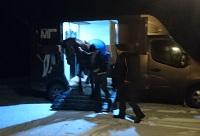 16 11 12 kl.21.30 anländer Rossi till Länna Bruk. Team Marilla Hästtaxi = LYXRESA.