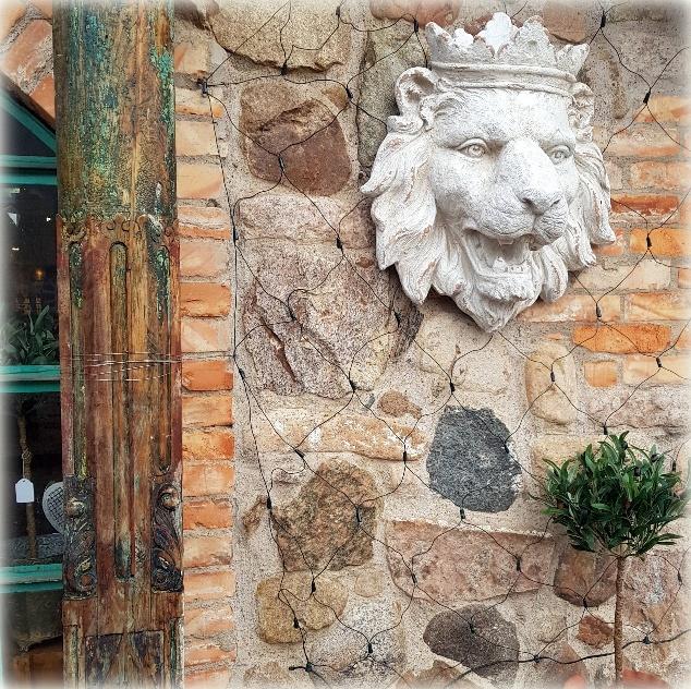 lejon på väggen 1
