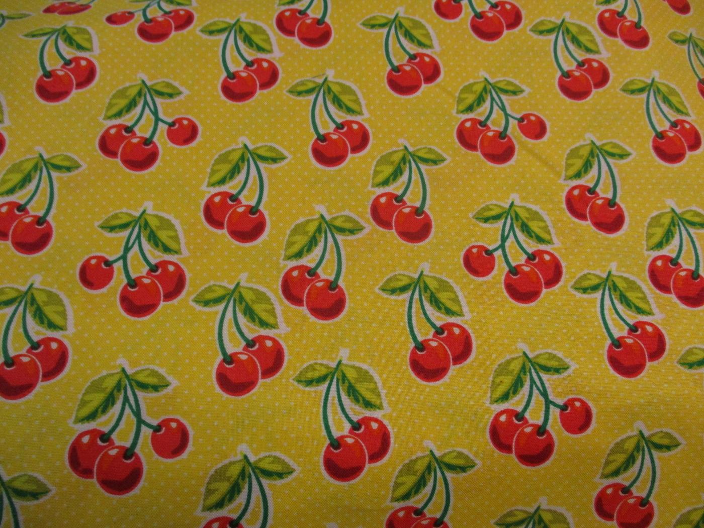 Nr1 gul med små vita prickar