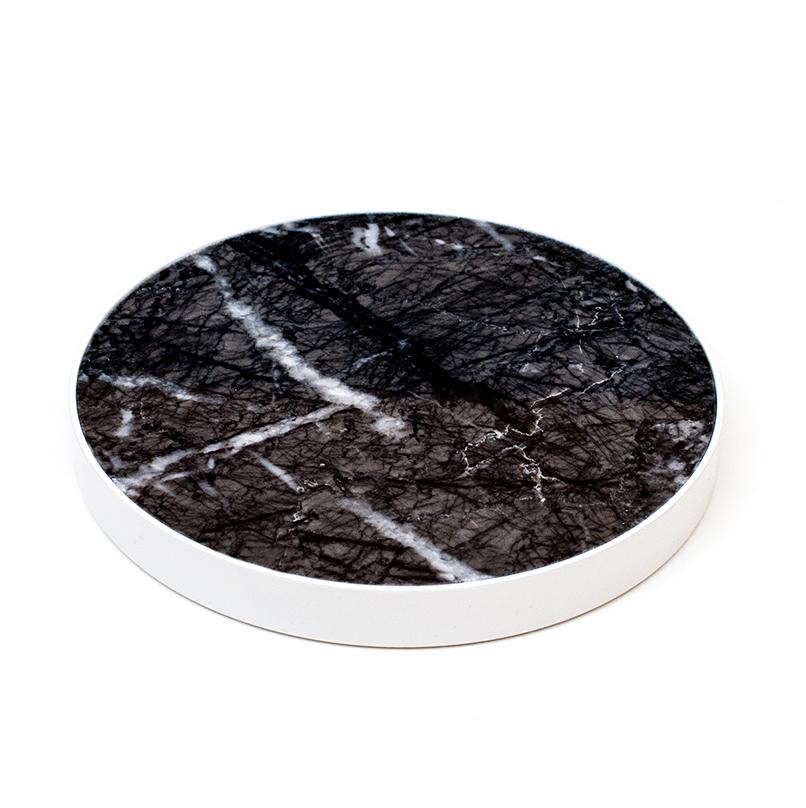 Svart marmor vit kant