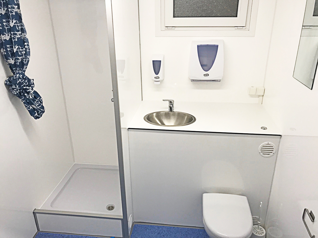 Dusch / toalettvagn 2P