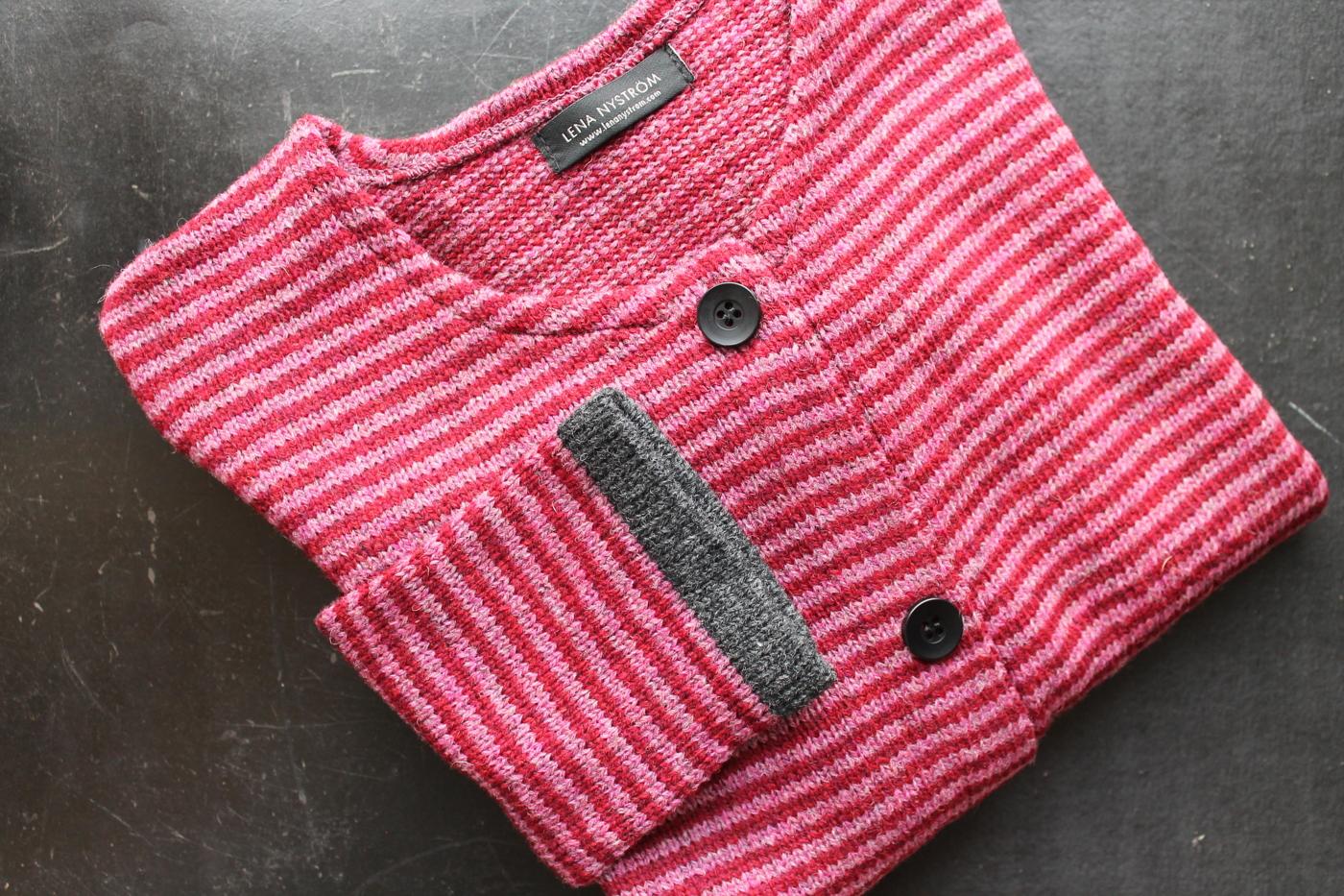 röd/rosa grå kant
