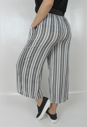 0005885_gianna_pants_blackcreme_300
