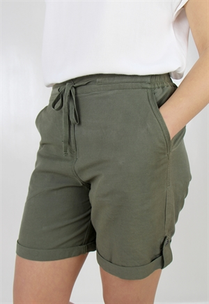 0005929_lina_shorts_khaki_green_300