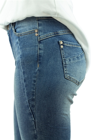 0006858_canyon_jeans_blue_denim_300