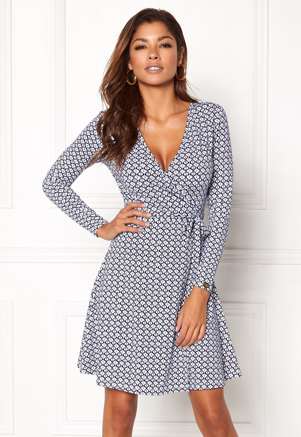 chiara-forthi-sonnet-mini-wrap-dress-blue-white_53