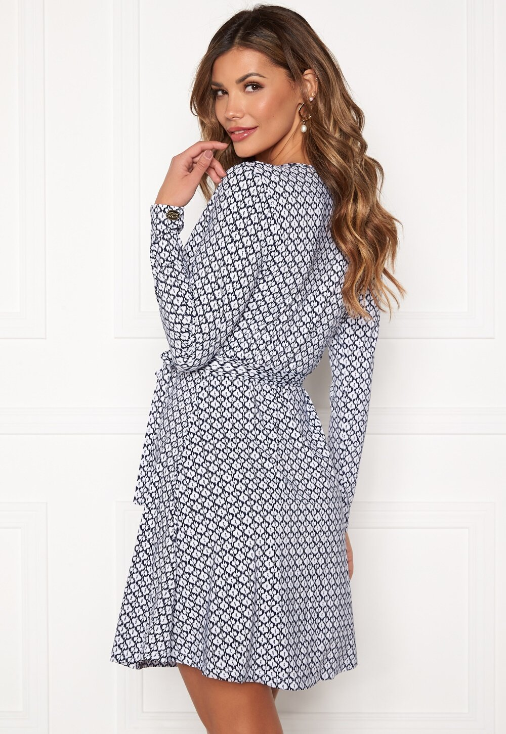 chiara-forthi-sonnet-mini-wrap-dress-blue-white_58