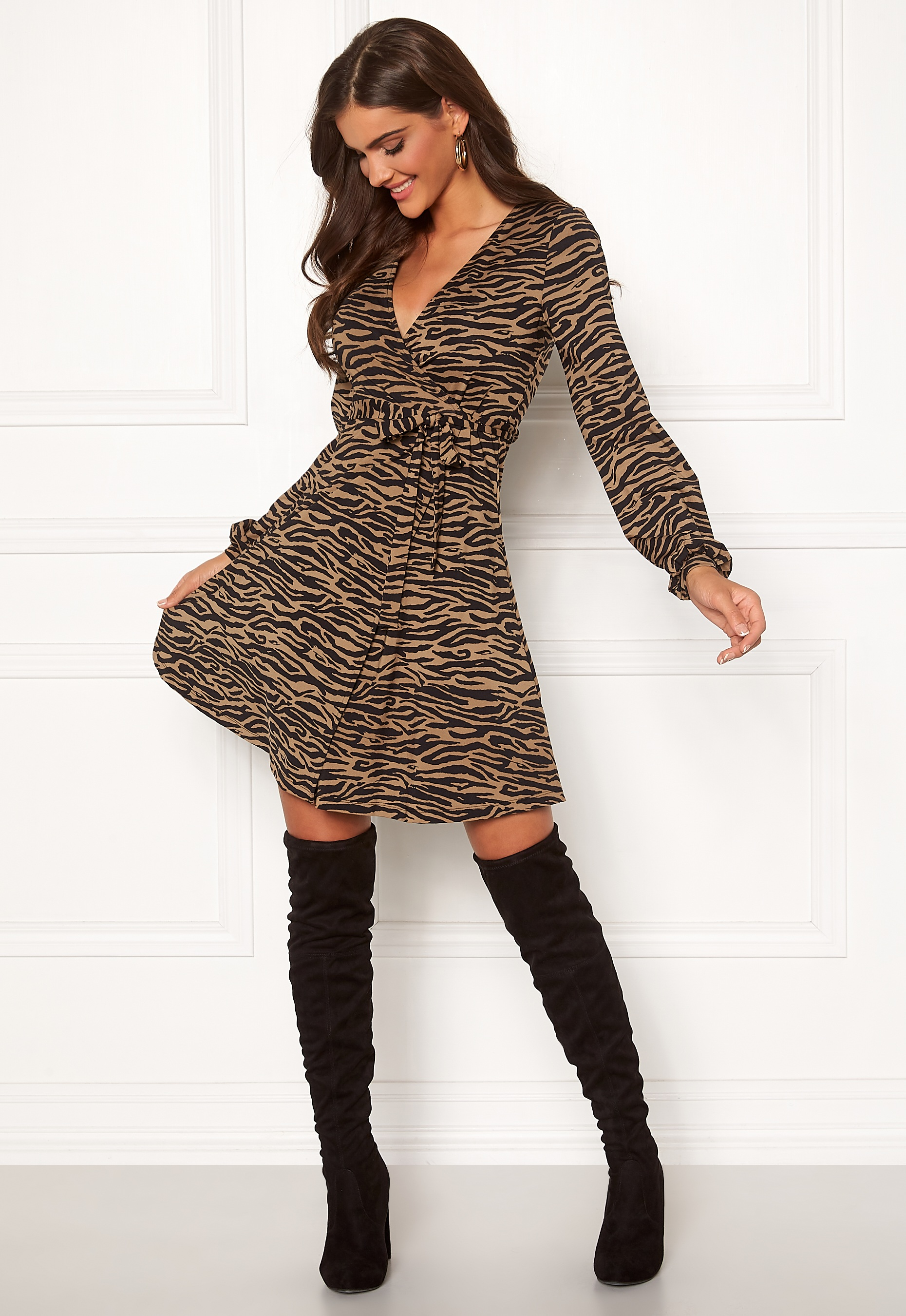 chiara-forthi-sonnet-puff-sleeve-wrap-dress_1