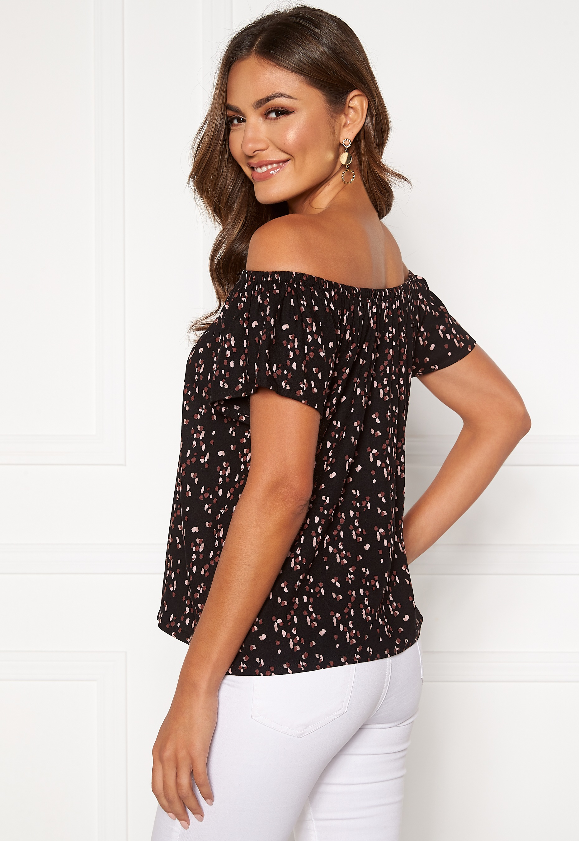 happy-holly-fredrika-singoalla-blouse-black-patterned_5