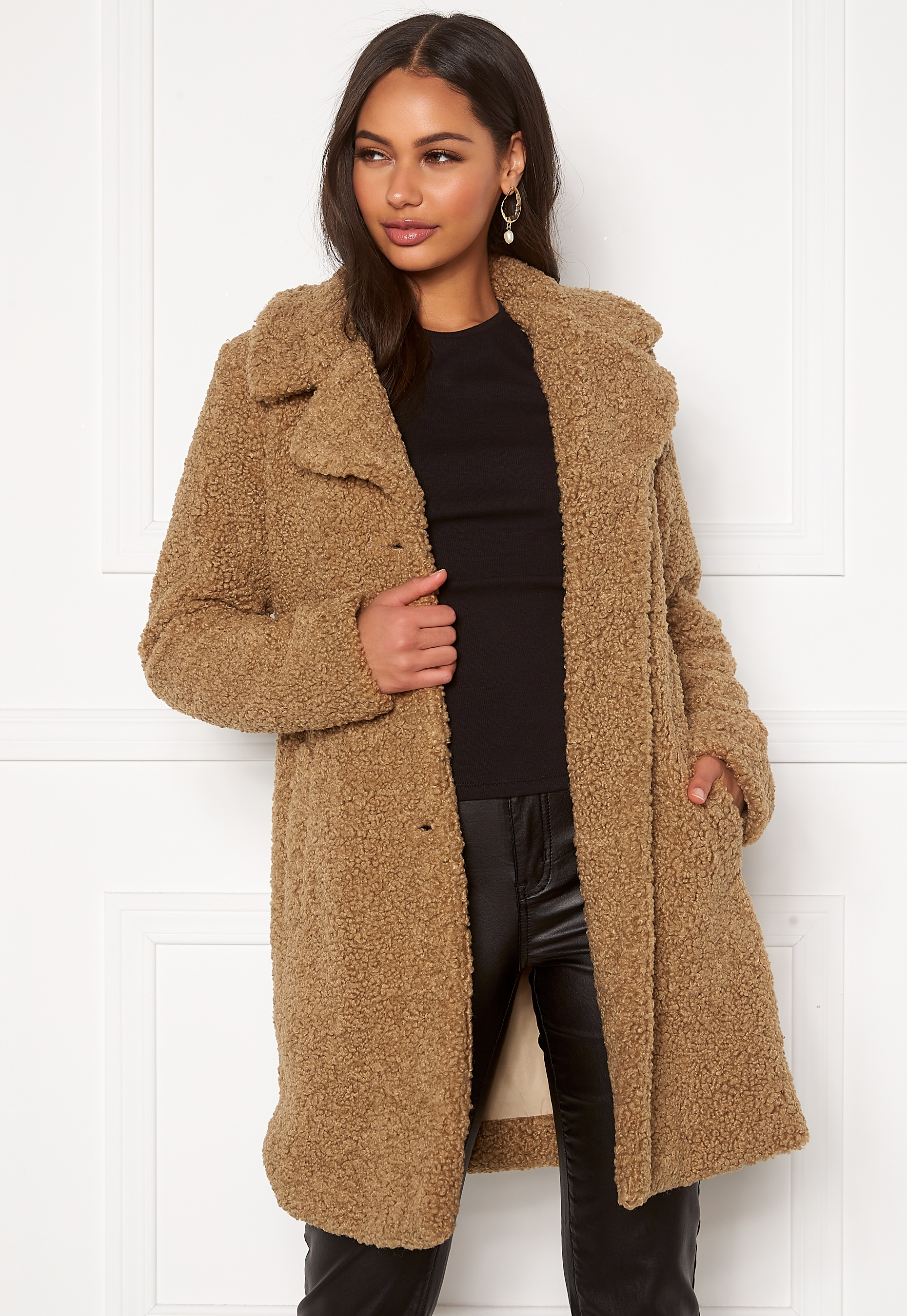 happy-holly-nicole-teddy-coat_5