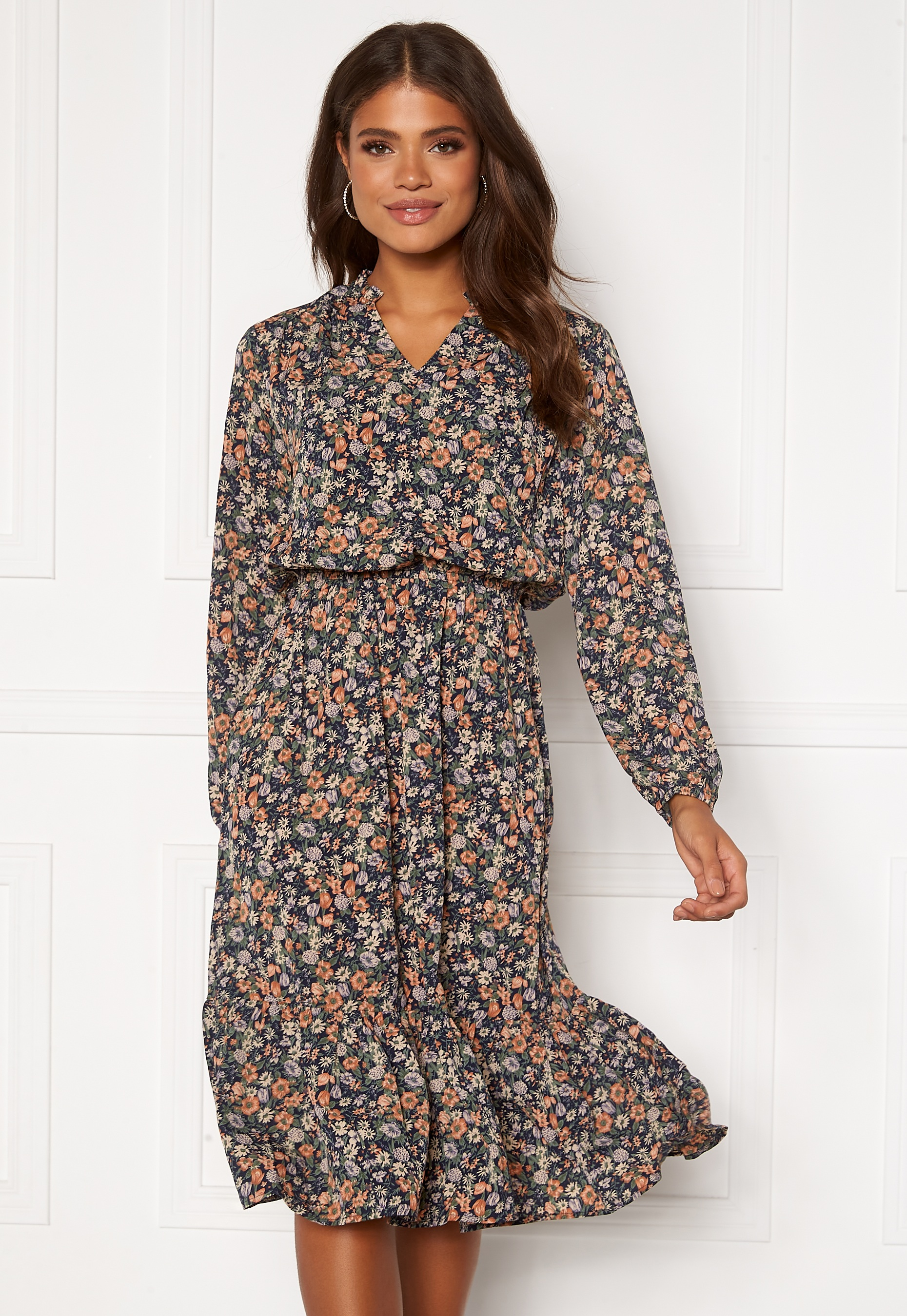 sisters-point-vessi-dress-814-navyflower