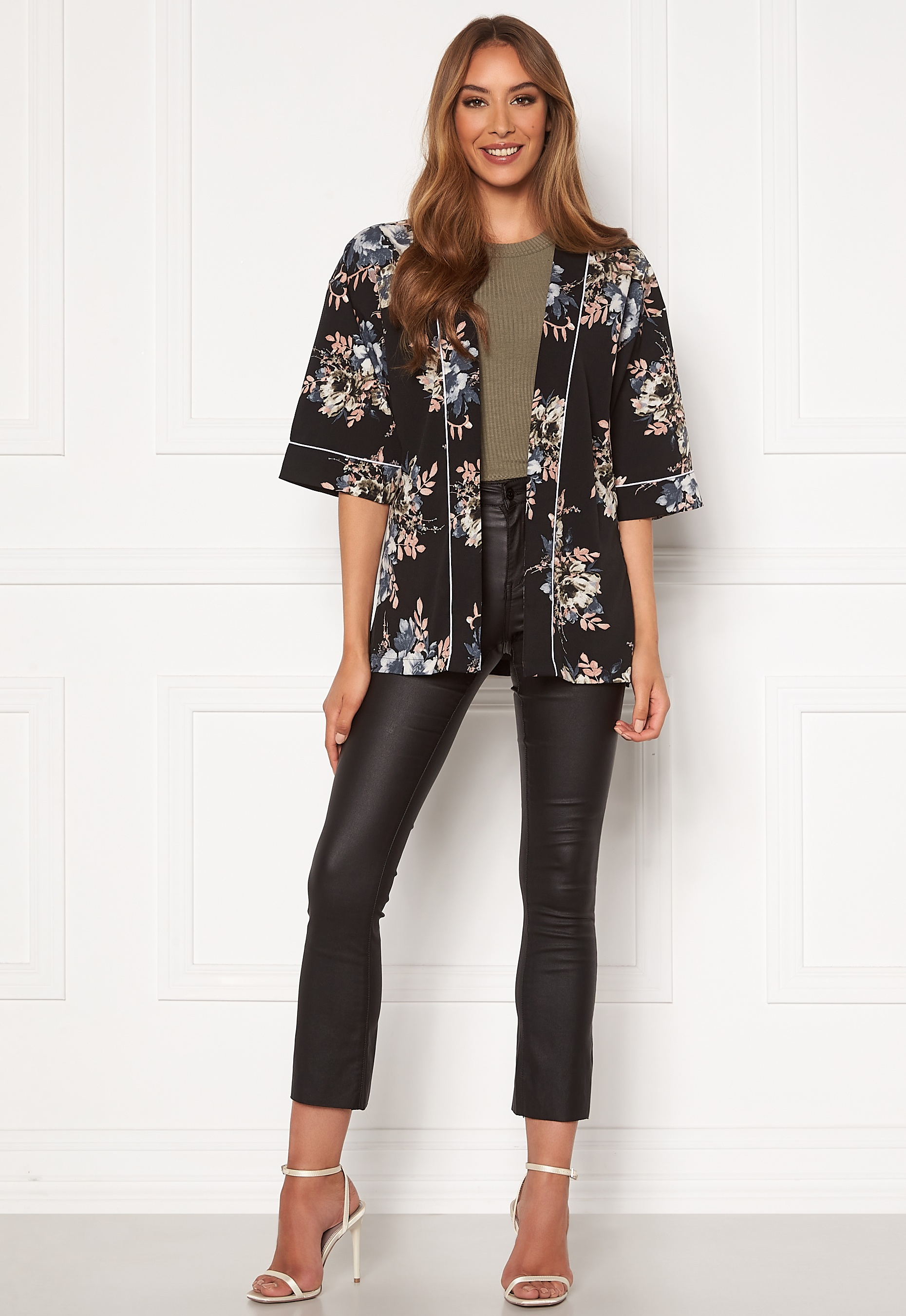 happy-holly-jelena-kimono-blouse-black-patterned_11