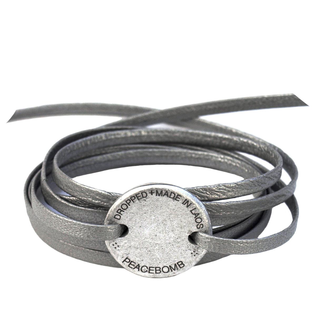 Article22. Läderarmband silver. Återvunnet.