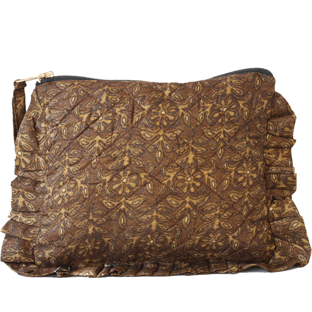 Sissel Edelbo. Frill purse guld, återvunna saris.
