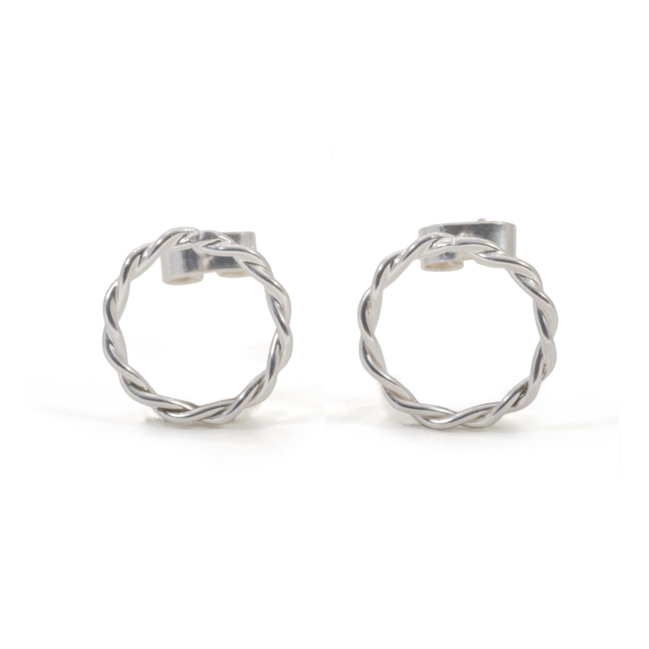 MNOP tvinnad örhängen. Återvunnet silver/ekosilver.