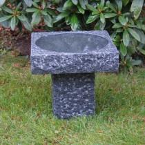fågelbad i natursten , granitfågelbad, granitkonst, dammprodukter