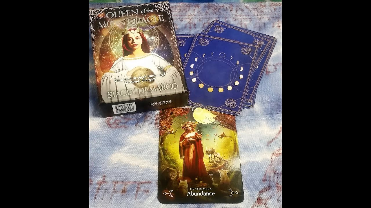 Queen of the moon oracle 9781925682588_6
