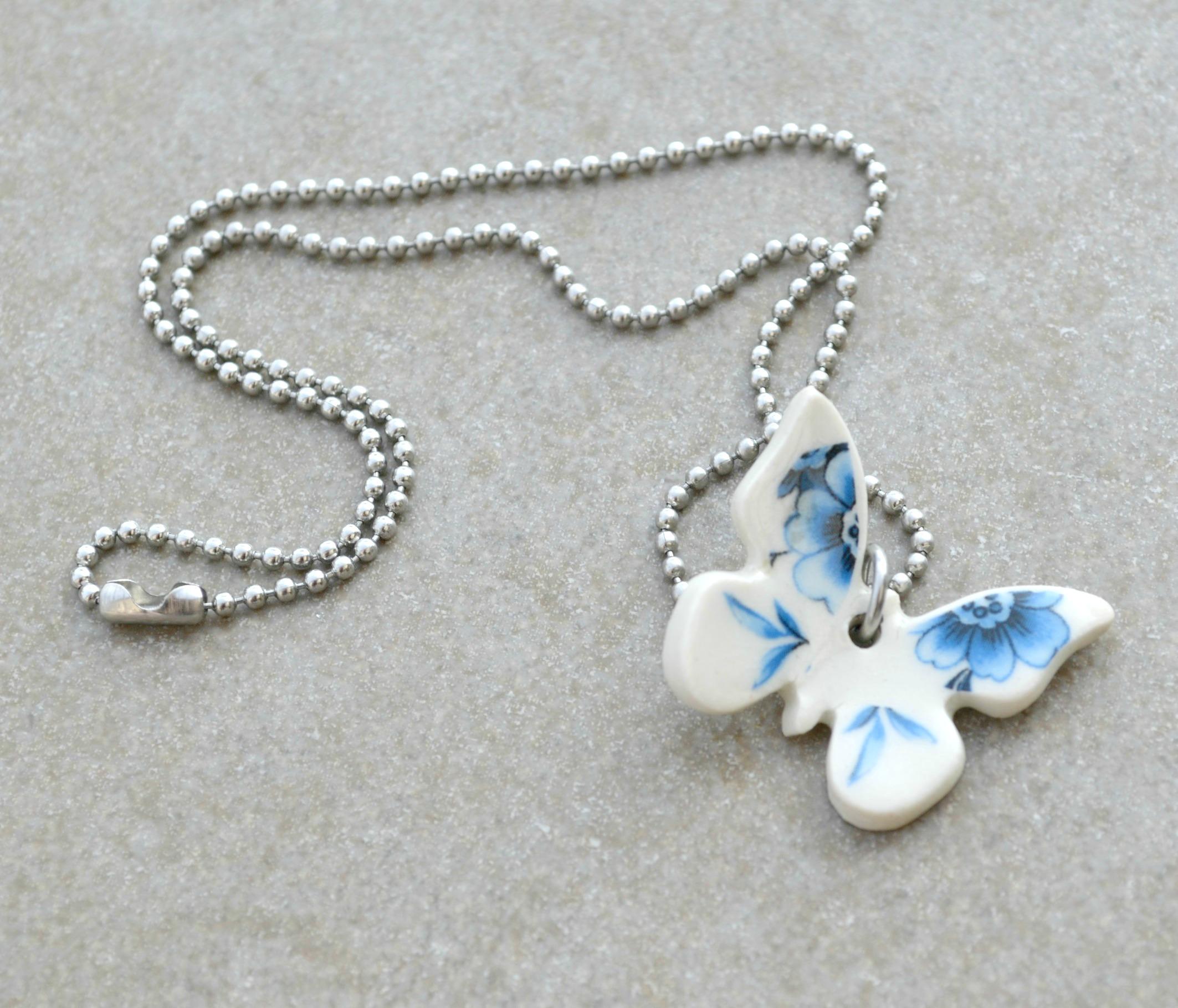Fjäril Blå dekor porslin