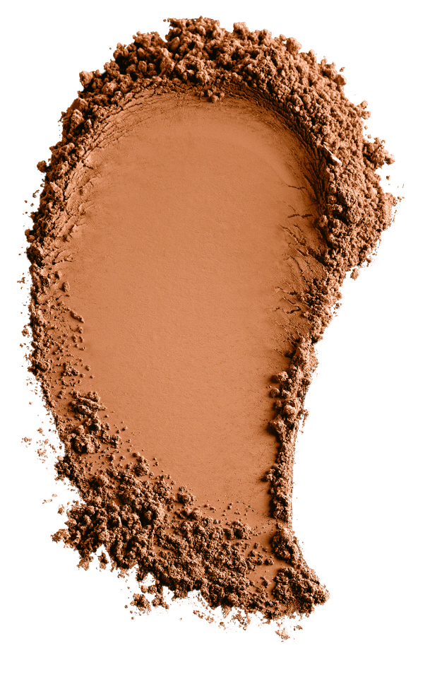 _Foundation_Matte_Warm_Tan_Smear