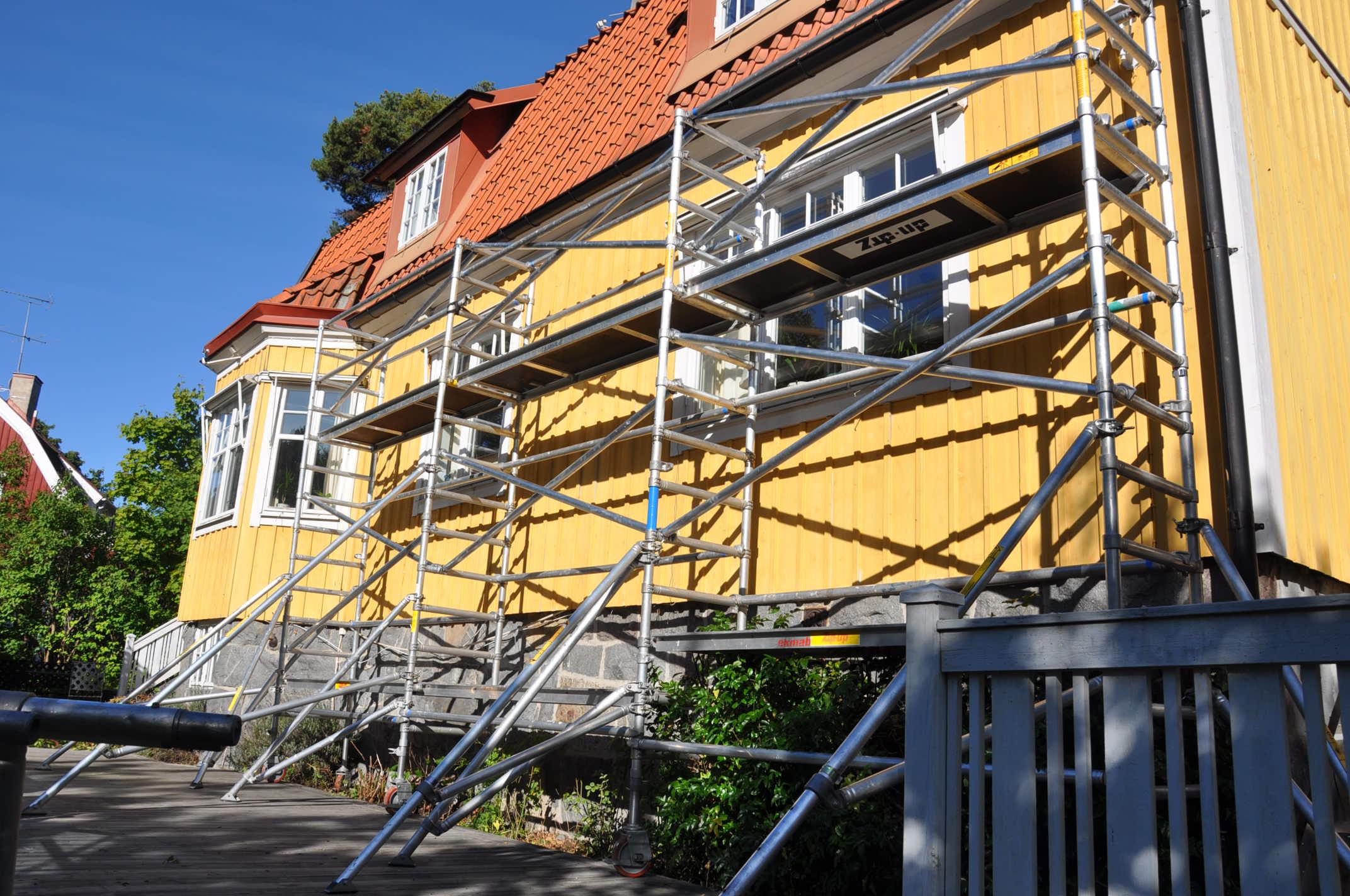 Smal byggställning flera sektioner bilder h9.se hyr byggställning (2)