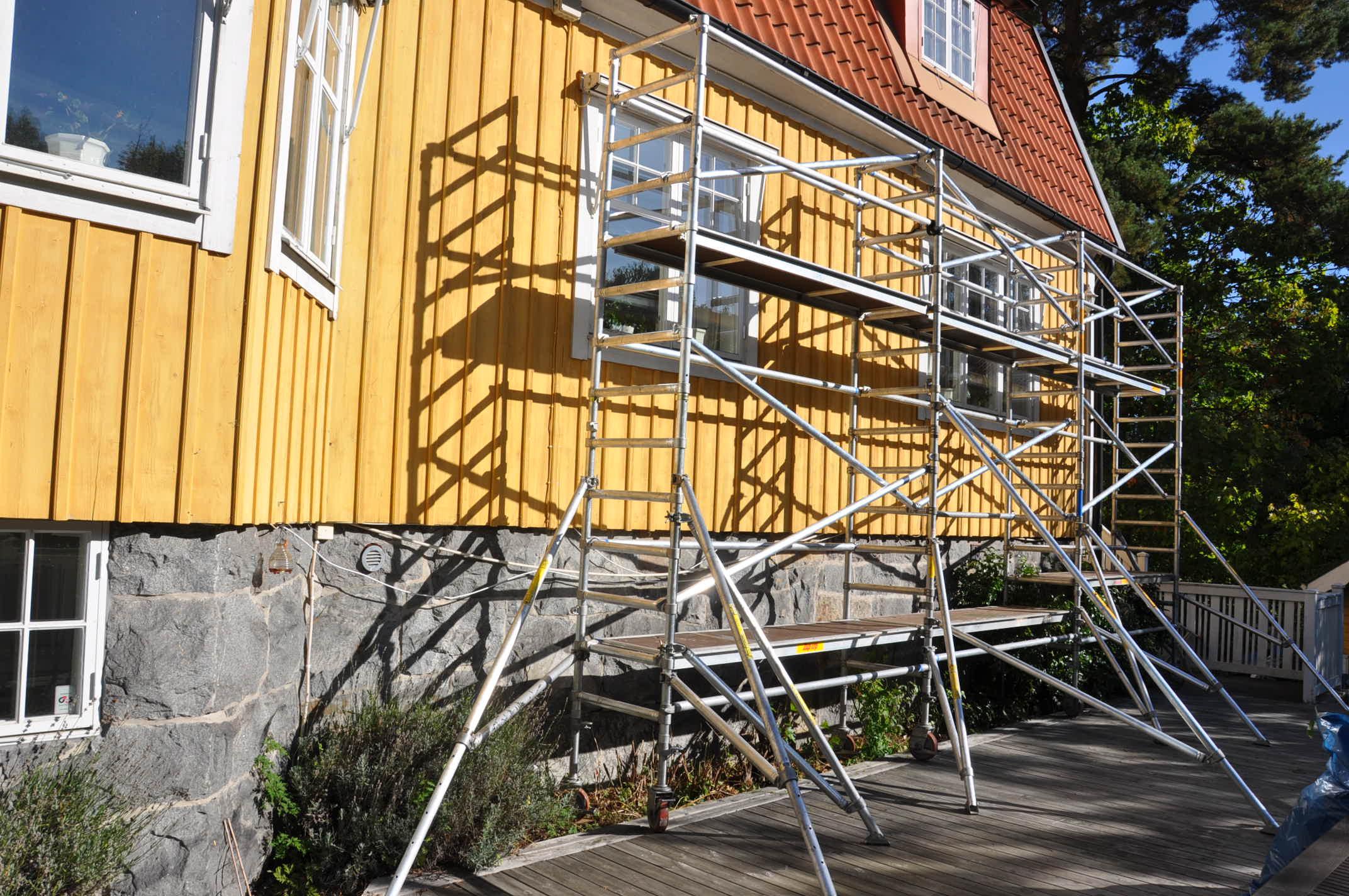 Smal byggställning flera sektioner bilder h9.se hyr byggställning
