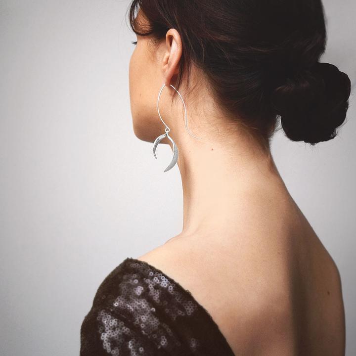 Blossom-grande-flower-earrings-02_720x