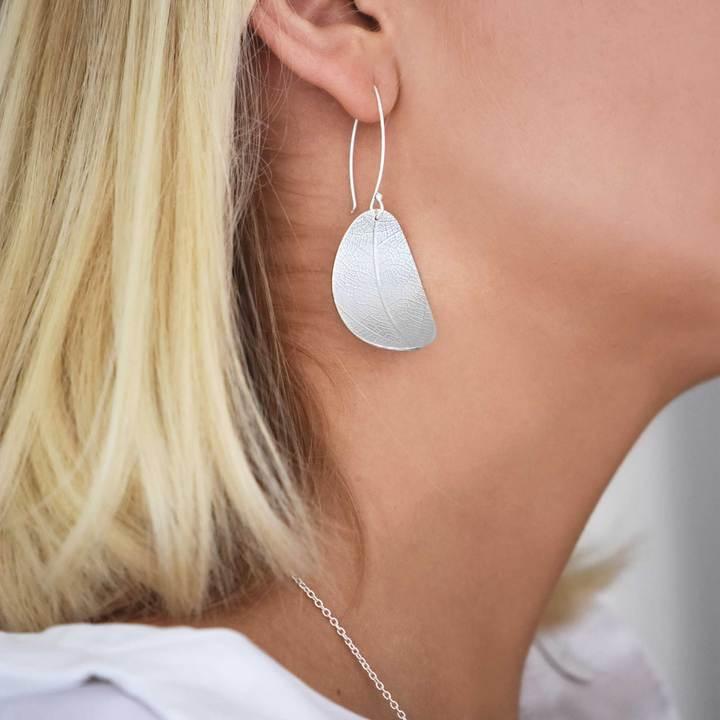Leaf-earrings_720x