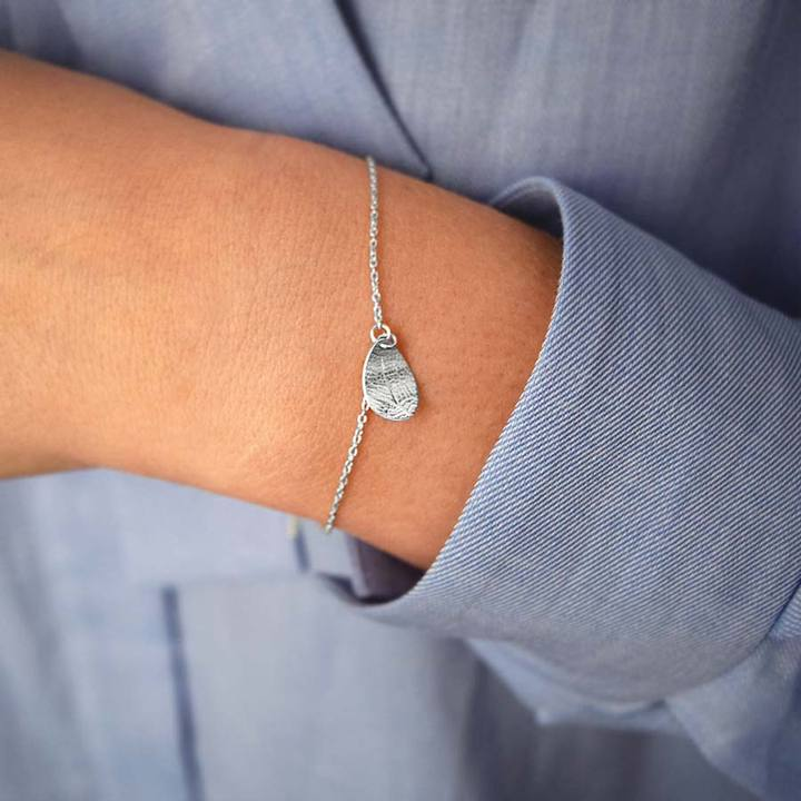 Leaf-drop-bracelet-1_720x