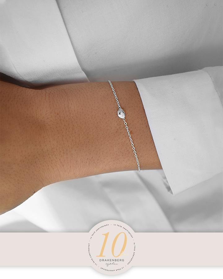 Anniversary-Morning-Dew-petite-bracelet-3_720x