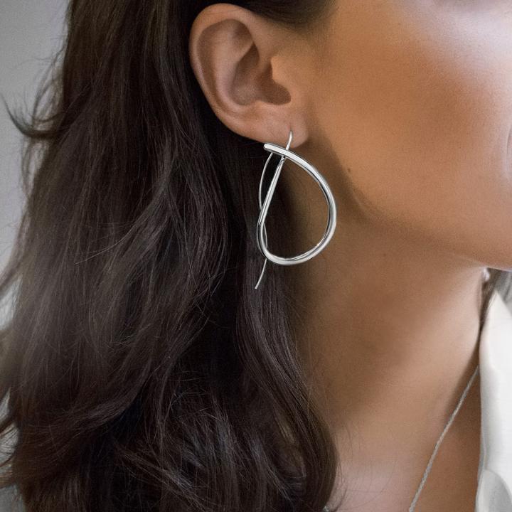 Ocean-earrings-model-2_720x