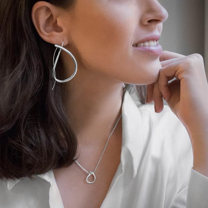 Ocean-earrings-model-1_720x