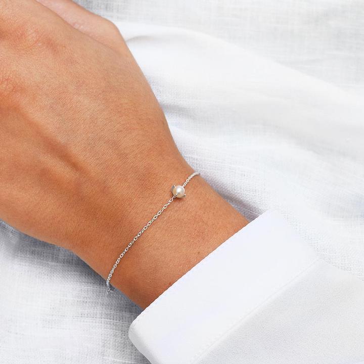 Petite-Pearl-bracelet-2_720x