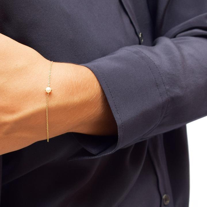 Petite_pearl_bracelet_gold_720x