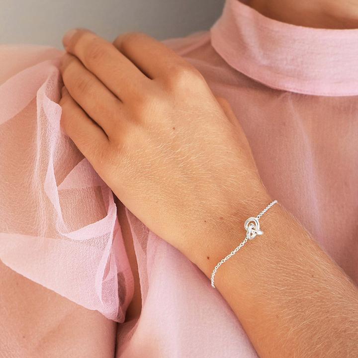 Le-Knot-bracelet_aba3903a-5184-4edb-bfa3-b00e12279f18_720x