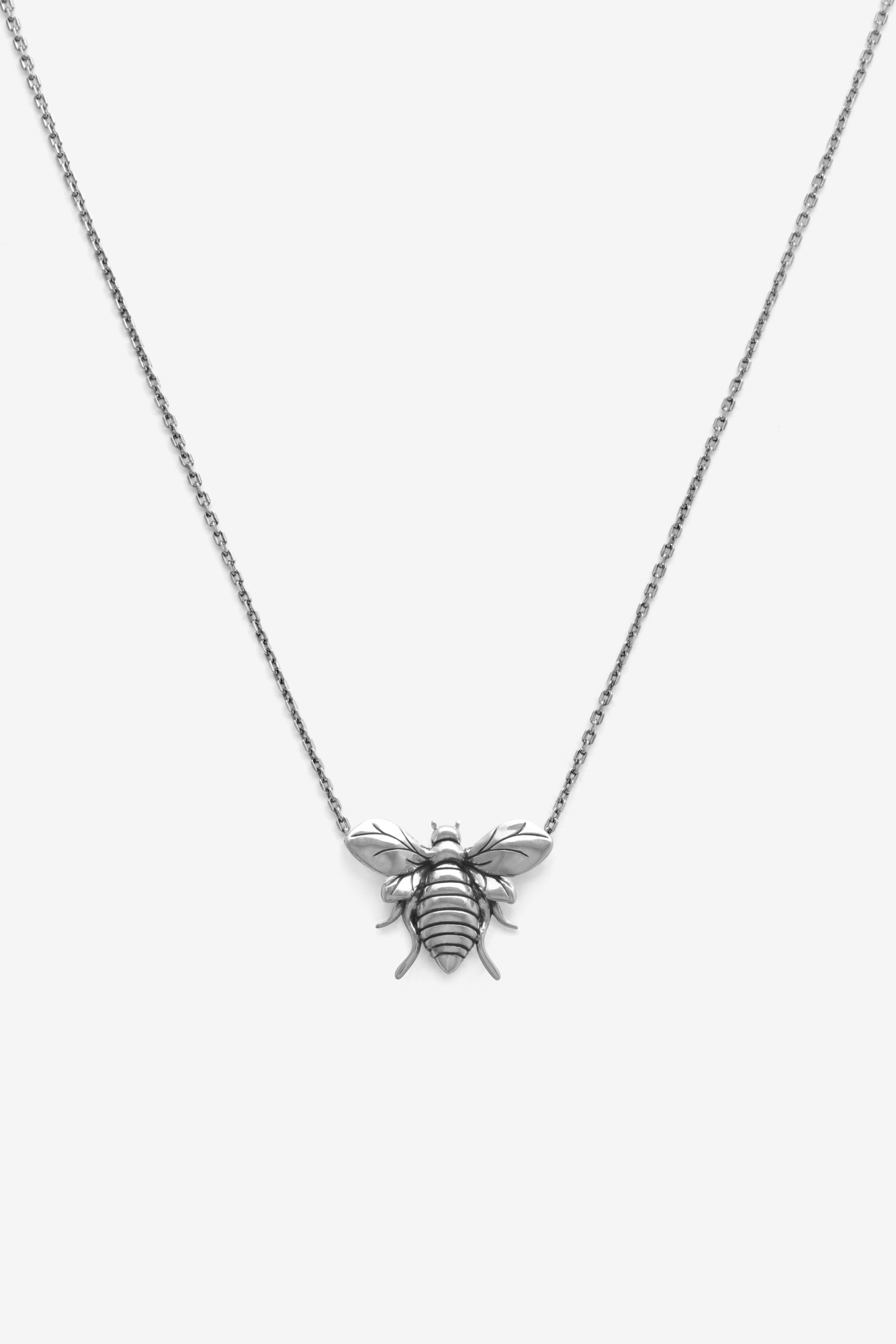 19-03-5-1-002-114-10_Bee Necklace_Silver_02