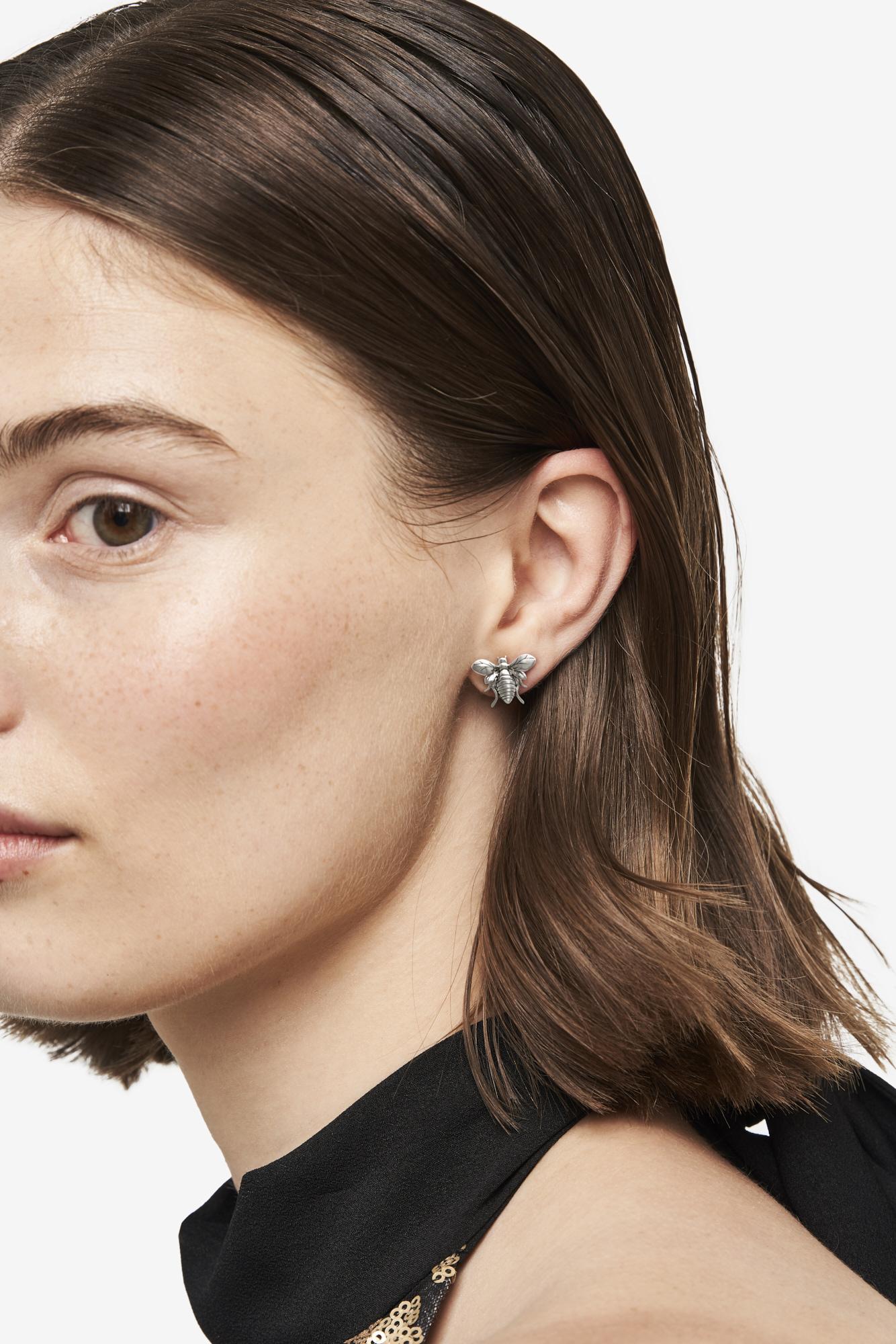 19-03-5-1-001-114-11_Bee Earring_Silver_01